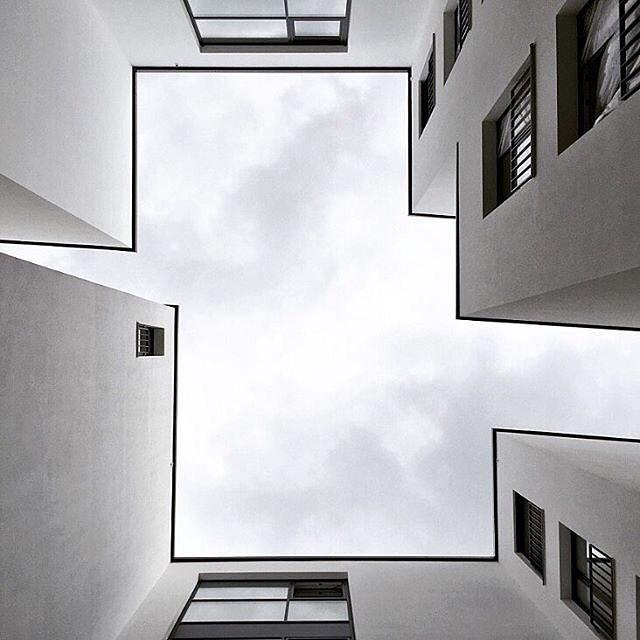 Bauhaus art design architecture photo frank for Architecture bauhaus